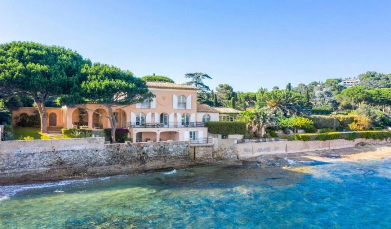 Villa en bord de mer avec jardin Grimaud