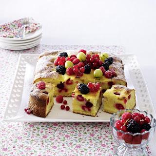 Sunken Berry Cake