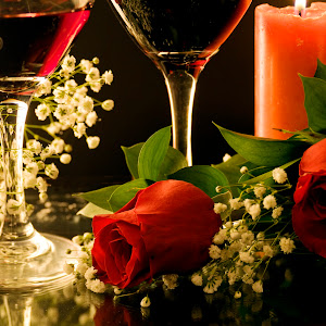 wine_roses_candle_sm.jpg