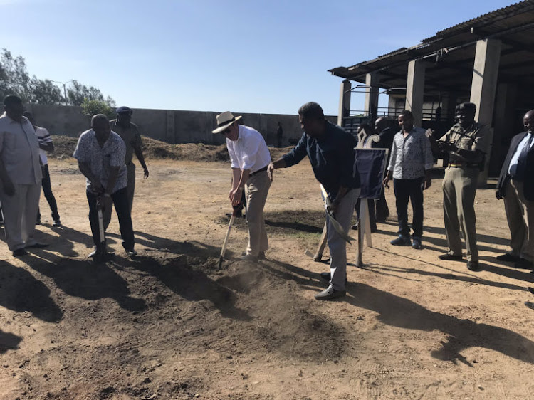 Then UK High Commissioner to Kenya, Nic Hailey, helps Kenyan authorities break the ground for a new UK-supported ATPU coast unit, 25 April 2019. (Photo: British High Commission in Kenya / Twitter)