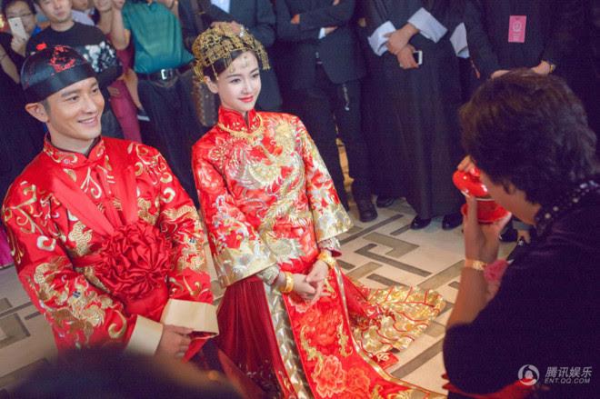 Trang phục hoàng gia Trung Quốc đẹp, chất liệu tốt