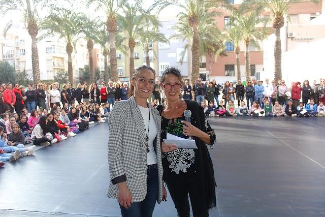 Isabel Guirado, directora del CPDA; y Carmen Torres Jiménez, jefa del Departamento de Danza Española.