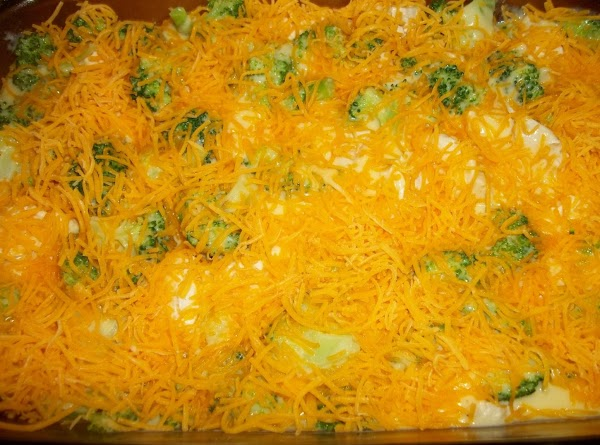 Sprinkle the remaining 1 1/2 cups of cheese over the cheese sauce.
