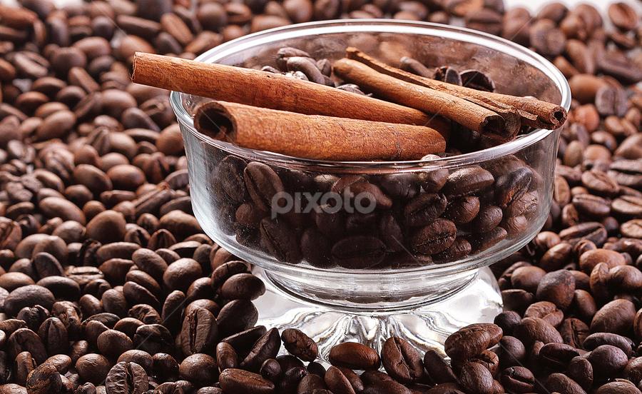 coffee n cinamon by Ismed  Hasibuan  - Food & Drink Alcohol & Drinks ( cinnamon, beans, coffee, brown, drinks )