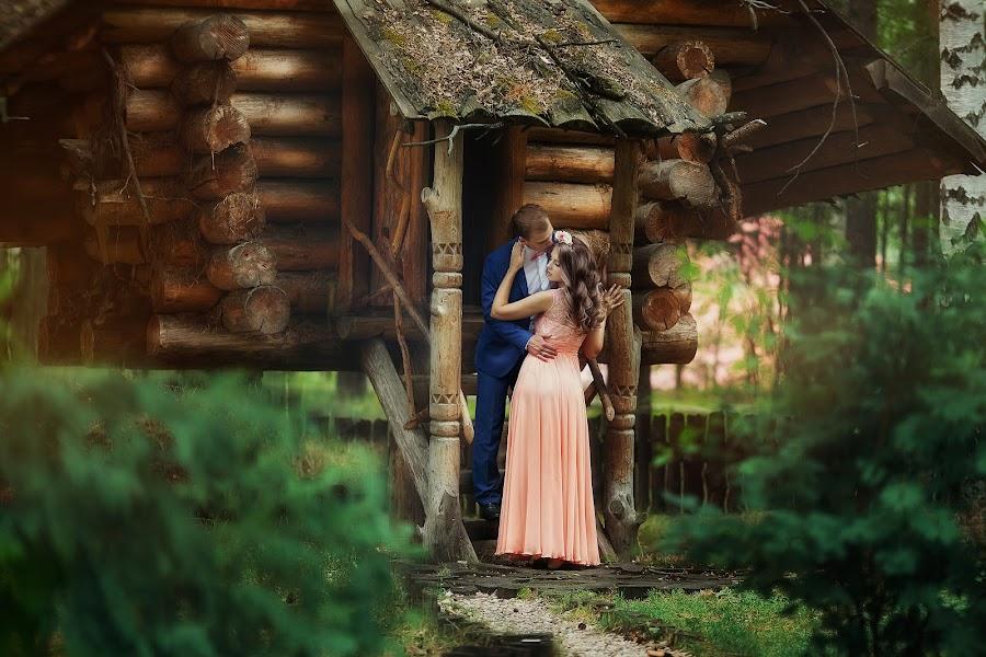 Bryllupsfotograf Lyubov Pyatovskaya (Lubania89). Foto fra 22.07.2016