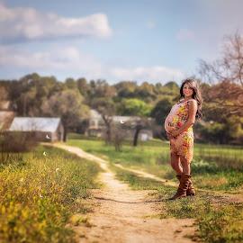 by Kelley Hurwitz Ahr - People Maternity ( roxanne, march 2014 )