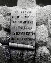 Photo: 1888 Grafsteen op begraafplaats Zuilen van de hertogin weduwe van Bourbon, Jeanne Einert, moeder van de troonpretendent Lodewijk XVII.