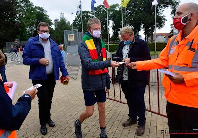 """📷 """"Zo blij om mijn ploeg weer te zien spelen"""": fans van KV Oostende als enige welkom op oefenpot"""
