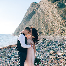 Wedding photographer Aleksandra Kustova (sashakustova). Photo of 09.08.2017