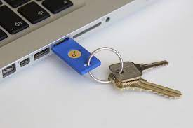 Security-Key-by-Yubico-in-USB-Port-on-Keychain - NetKnights: IT-Security ~  Two Factor Authentication ~ Encryption