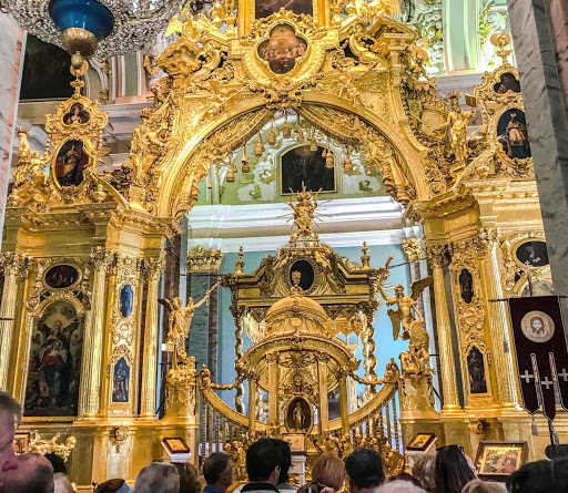 saints-peter-and-paul-cathedral-altar-2.jpg - The golden-colored iconostasis, completed by a group of 40 Moscow architects in 1727, at the front of Sts. Peter and Paul Cathedral in St. Petersburg.