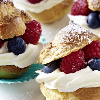 Cream Puffs with Berries