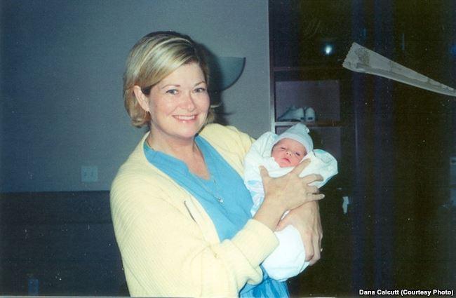 Дана Кэлкатт-Мэдсен с новорожденным сыном
