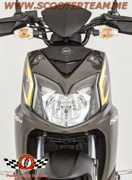 moto scooter akt 150