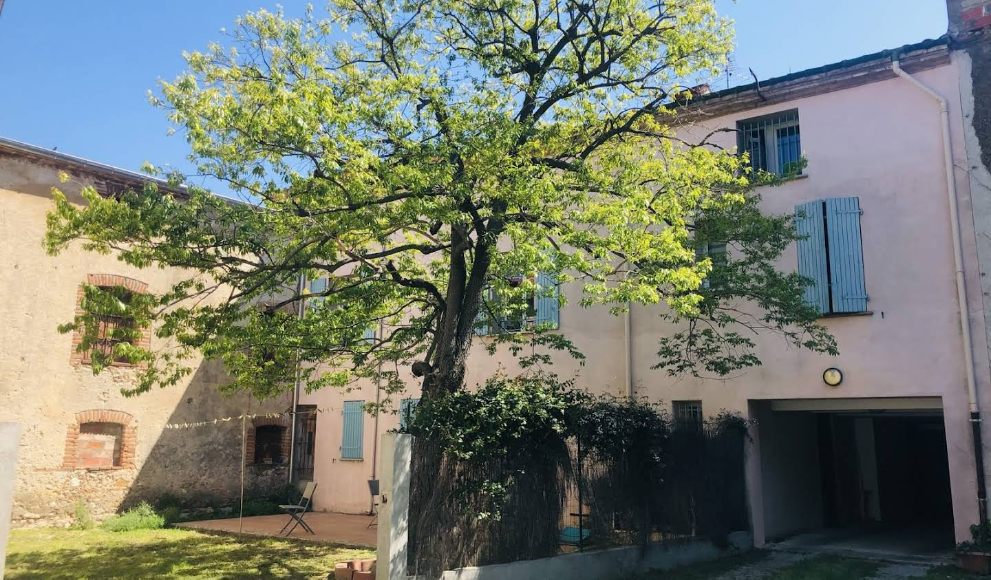 Property Toulouges