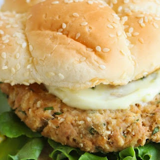 Lemon And Garlic Tuna Burgers