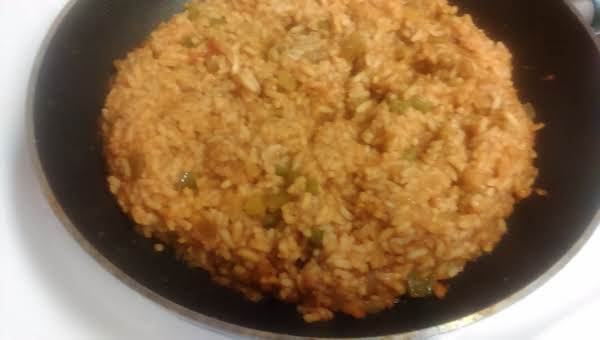 Quick And Easy Spicy Spanish Rice .... Delicious ... Never Any Leftovers !! ( Omit Pepper Flakes For Less Hot )