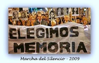 Photo: Marcas de la Memoria (17) Plaza Libertad. Lugar permanente de encuentro de familiares de los presos, muertos y desaparecidos. Aquí culmina la Marcha del Silencio.