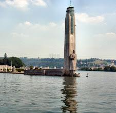 Photo: links der Albert-Kanal, rechts die Meuse