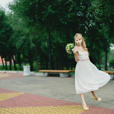 Wedding photographer Alena Kukina (AlenaKuk). Photo of 19.04.2013