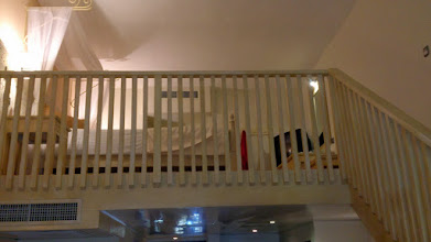 Photo: Это лофт с кинг-сайз кроватью