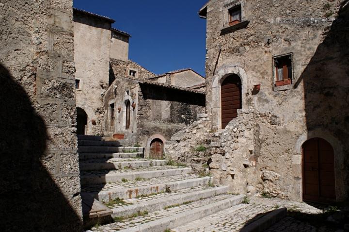 Abruzzo forte e gentile di carlo-bi