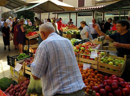 Al mercato di Senj di Giorgio Lucca
