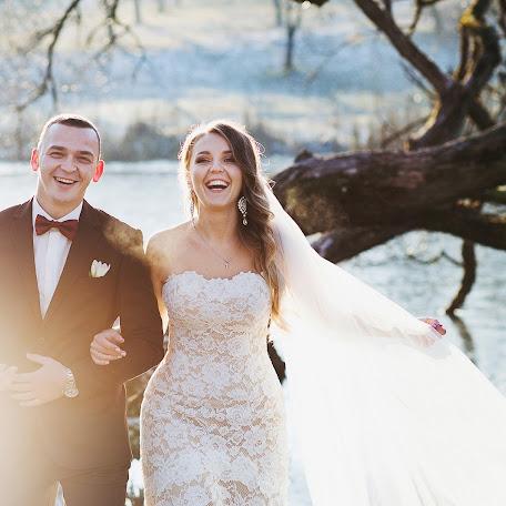 Wedding photographer Vitaliy Romanovskiy (Romanovsky). Photo of 03.02.2016