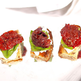 CREAM CHEESE SUNDRIED TOMATO AND BASIL BITES