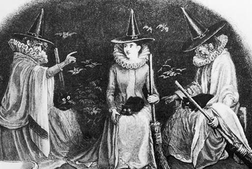 Tres brujas con tres gatos y tres escobas
