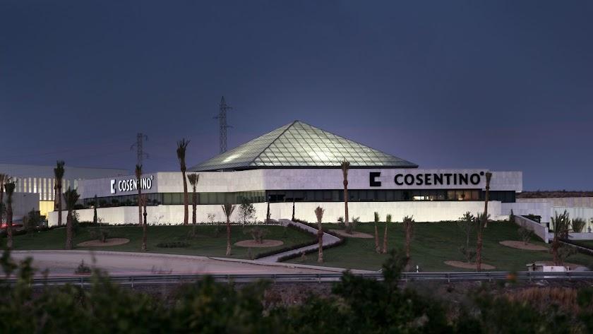 en la Planta  industrial de Cosentino en Cantoria labora una plantilla de más de mil empleados.