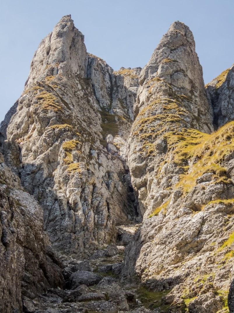 Valea Bucşoiului – Valea Cerbului (Munţii Bucegi)