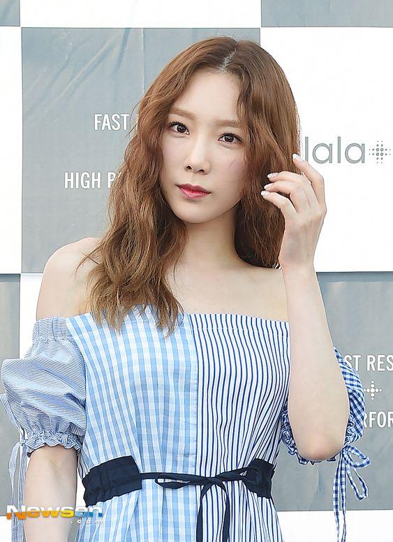 taeyeon shoulder 5