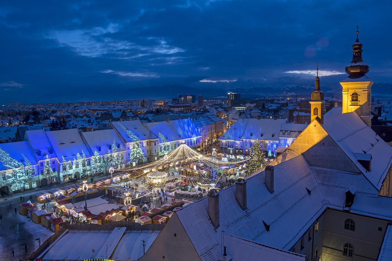 Video mapping en el mercado de navidad de Sibiu, Rumanía