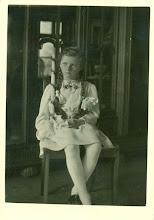 Photo: Pierwsza komunia Hilturd Wittek - siostrzenicy H. Mullera.