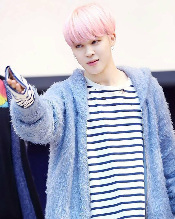 Jimin-Spring-Day-Outfit-Pointing