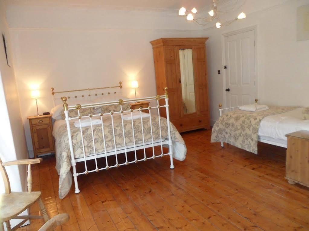 Brown's Rooms