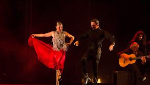Sara Baras actuó anoche ante una Plaza de Toros rendida a sus pies.