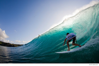 Photo: Ian Walsh, Honolua Bay. Photo: Noyle/SPL