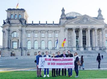 u18nie vor Reichstag am 18-10-2019 - heller.jpg