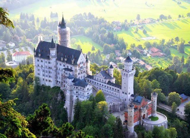 Lâu đài Neuschwanstein - công chúa ngủ trong rừng