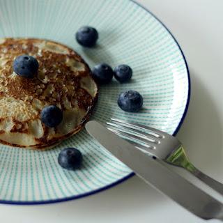 Healthy Banana Pancake Recipe - 5 pancakes.