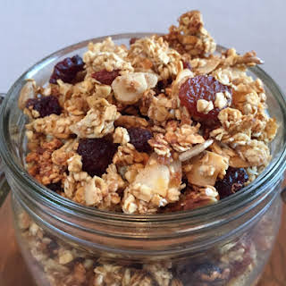 Easy Granola with Goji berries, nuts and seeds!.