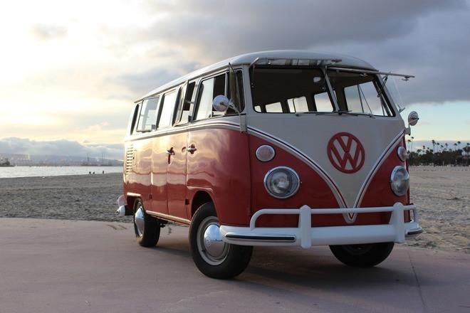 1964 VW Bus Deluxe Hire CA