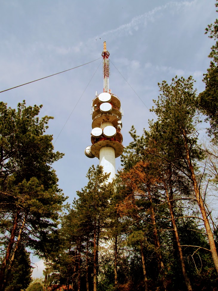 Sárszentlőrinc/Uzd - TV-URH gerincadó állomás