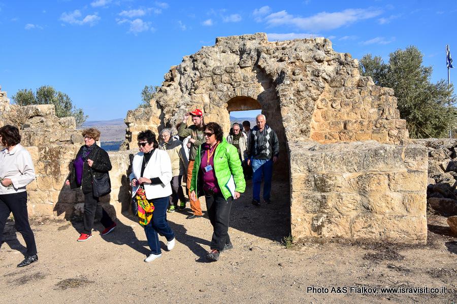 Гид по Израилю Светлана Фиалкова на экскурсии в Хирбет Ярда.