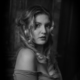 by Marco Bertamé - Black & White Portraits & People