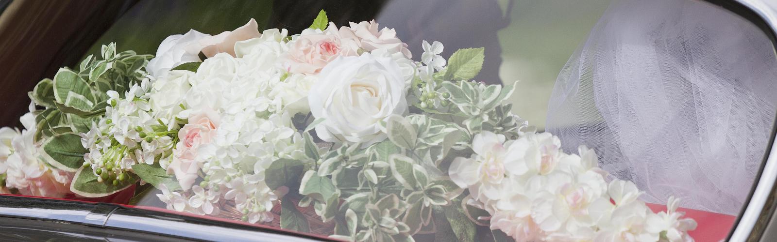 Rosemary Davies Luxury Wedding Planner Portsmouth - Wedding Car Flower Arrangements