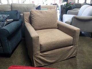 Resort Swivel Chair