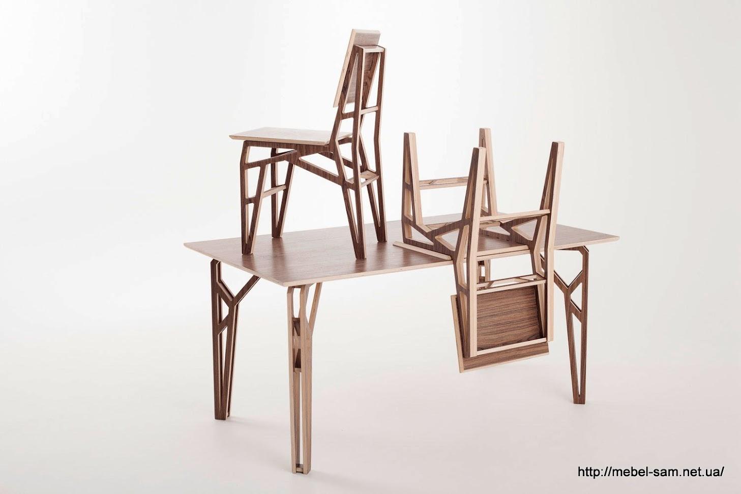 Под стать стульям должен быть и стол. Этот - отличный вариант прямоугольного стола из фанеры